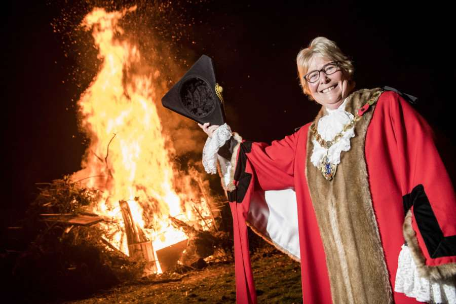 "Scenes from the Fawkes in The Walks 2017 firework display in King�""s Lynn - Mayor Carol Bower lights the bonfire."