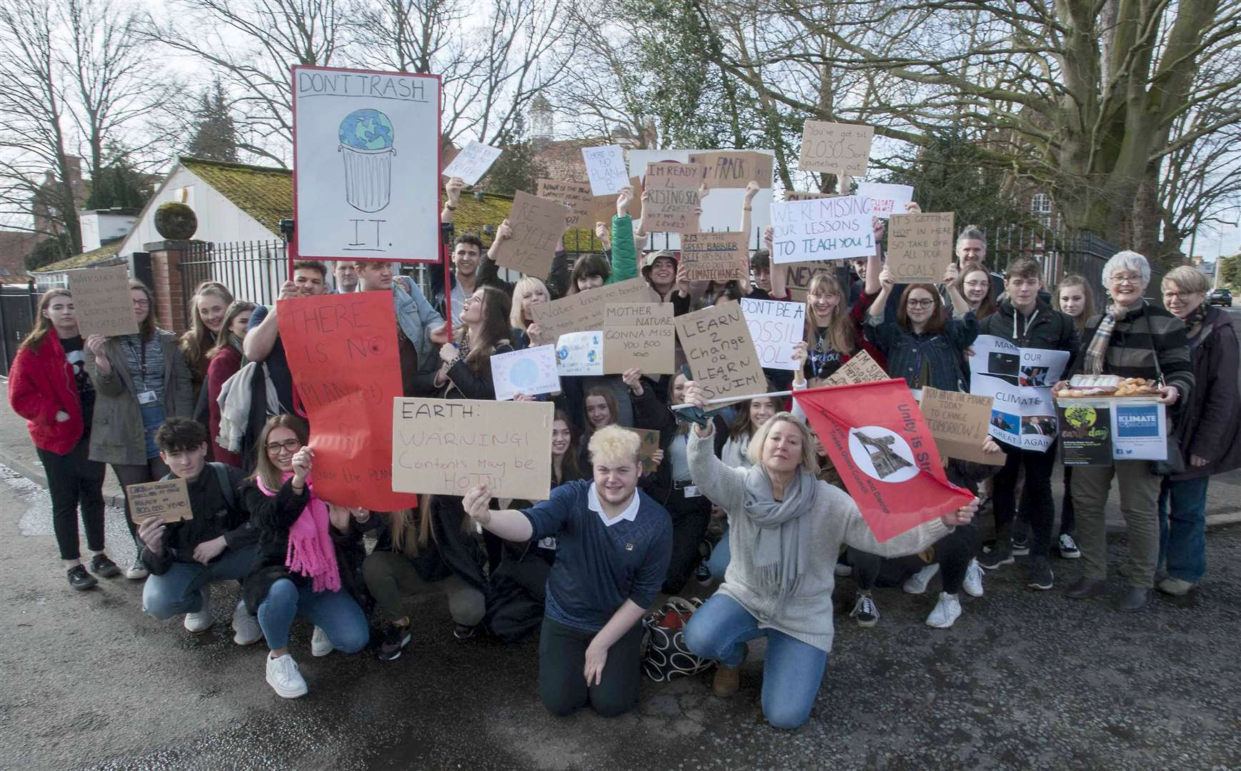 Students Protesting about Climate Change For Future Global Event. Pictured KES Academy Students with Jo Rust front far right and Harvey Luker (Organiser) on left with Protesters.. (7818728)