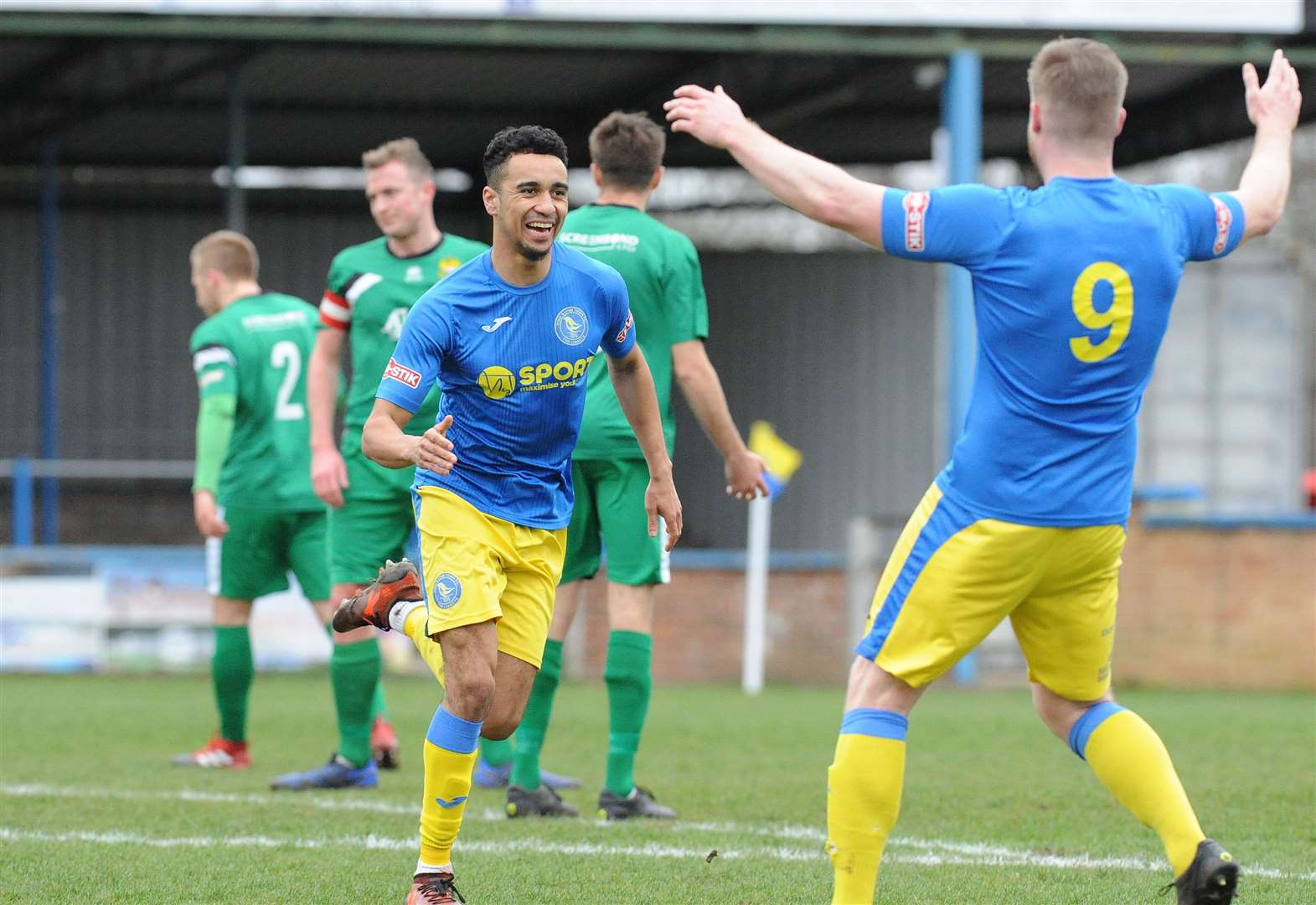 King's Lynn Town pick up three crucial points in their quest to reach Southern League Central Premier play-offs