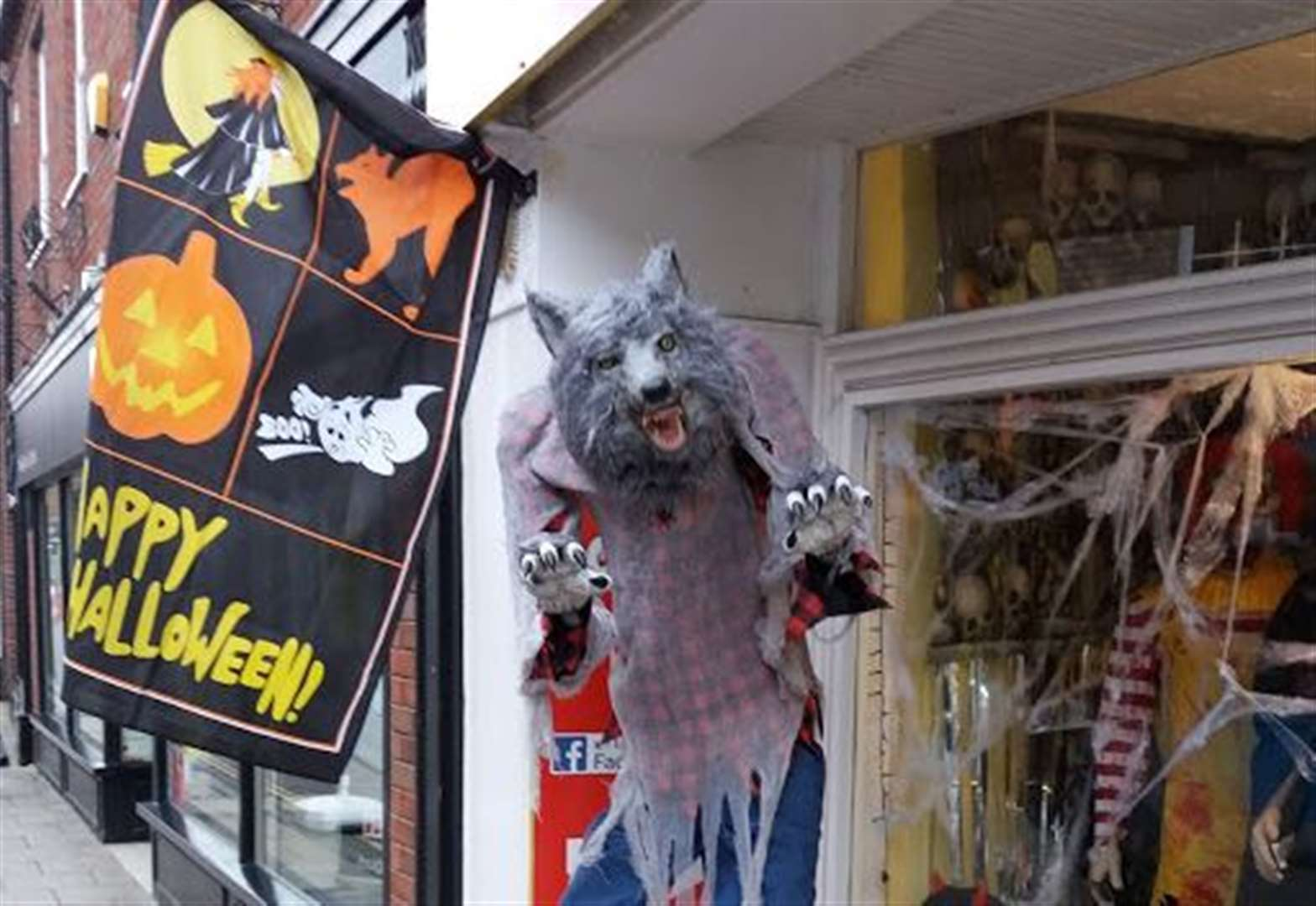 Six-foot tall howling werewolf attracts plenty of attention in Lynn town centre