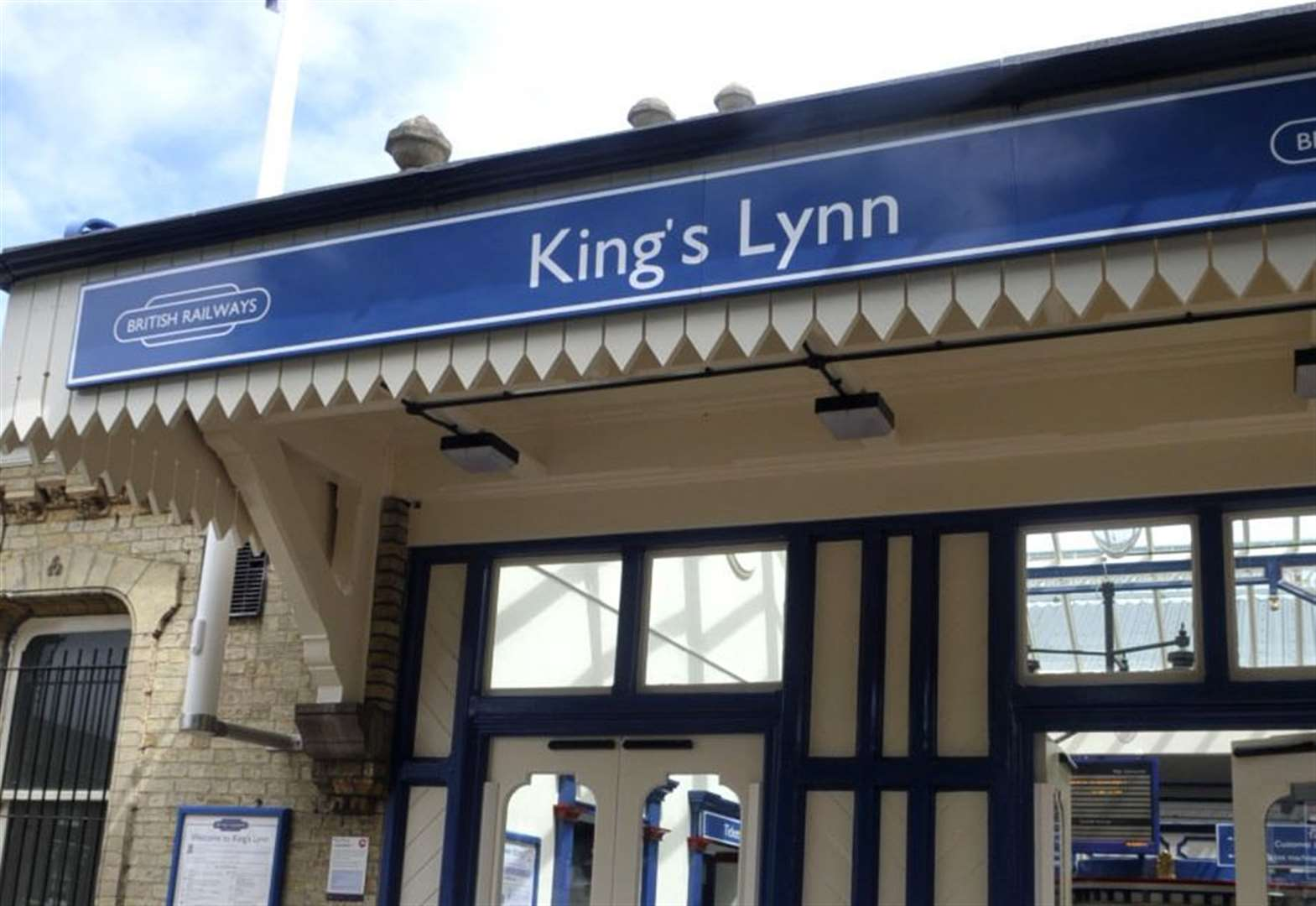 Overhead power line damage causes disruption for Lynn railway passengers