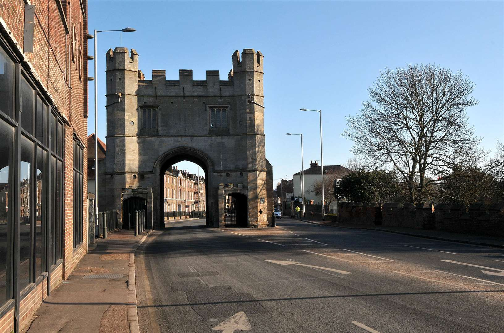 The South Gate entry to King's Lynn on London Road.. (2770033)