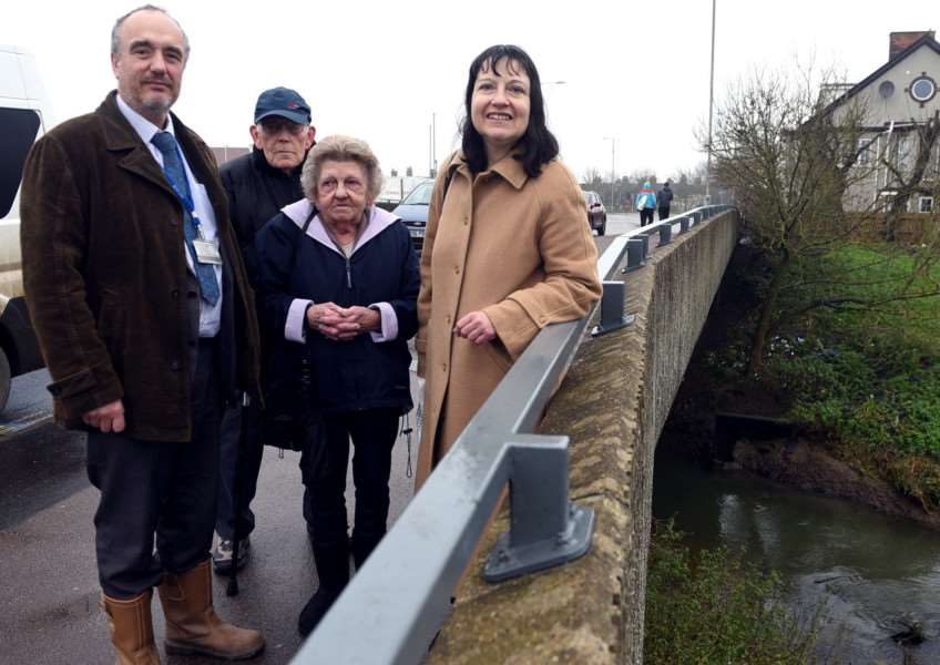 Fly tipping problems at the River Nar'''Dale Gagen, Walter Warnes, Margaret Warnes and cllr Alex Kemp.