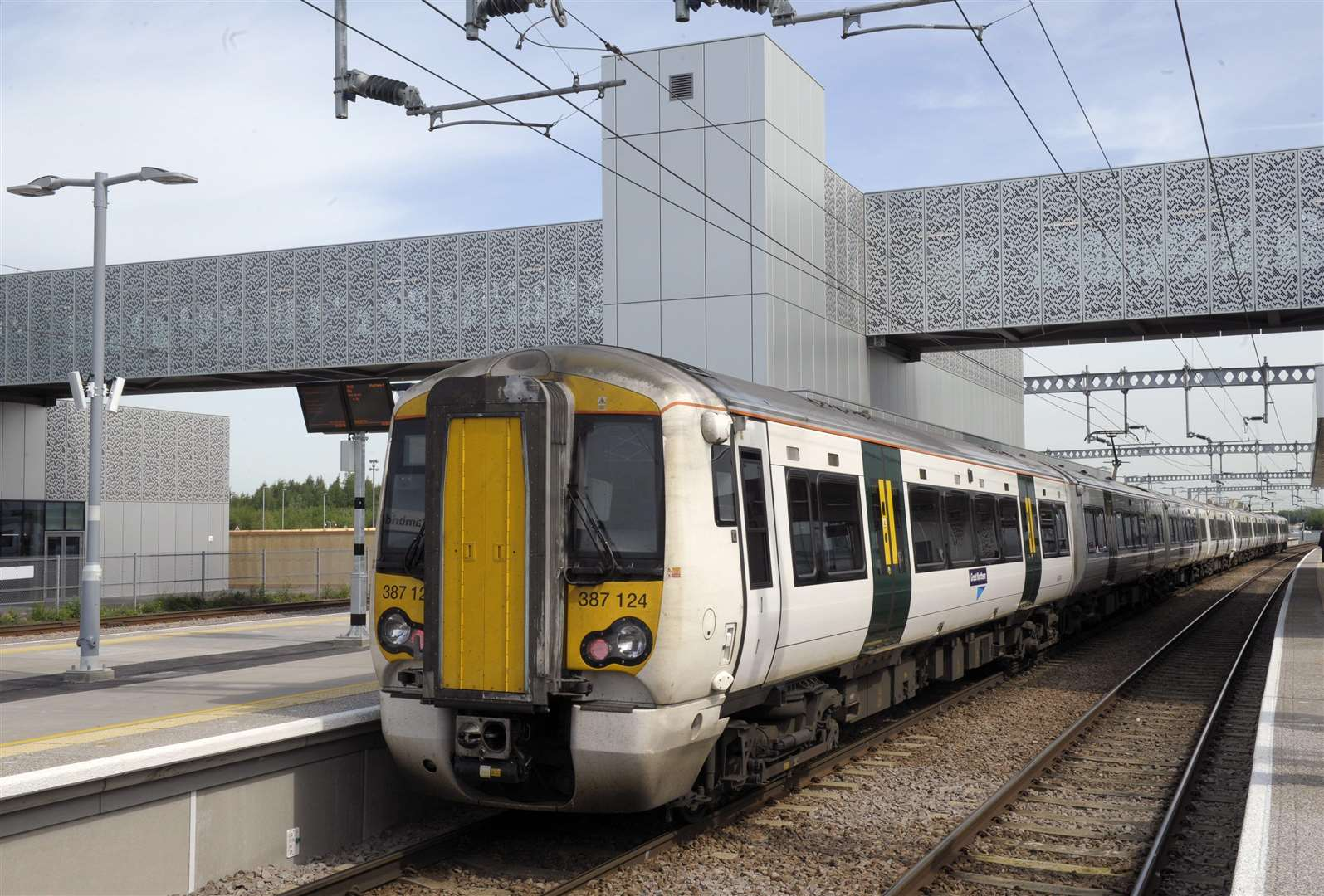 Launch of new trains and opening of new Cambridge North Station. (3008948)
