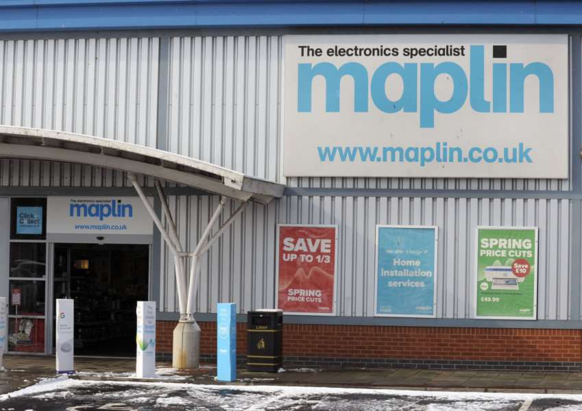 Gv picture of the Maplin Store at 6 Campbells Meadow King's Lynn
