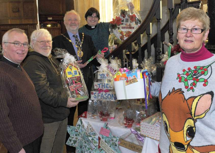 King's Lynn Minster Christmas Fayre to be opened by Borough Deputy Mayor Jim Moriarty 'LtoR, Canon Christopher Ivory, John King (Handmade Craft Stall), Borough Deputy Mayor Jim Moriarty, Curate The Rev'd Laura Baker, Barbara King (Handmade Craft Stall)