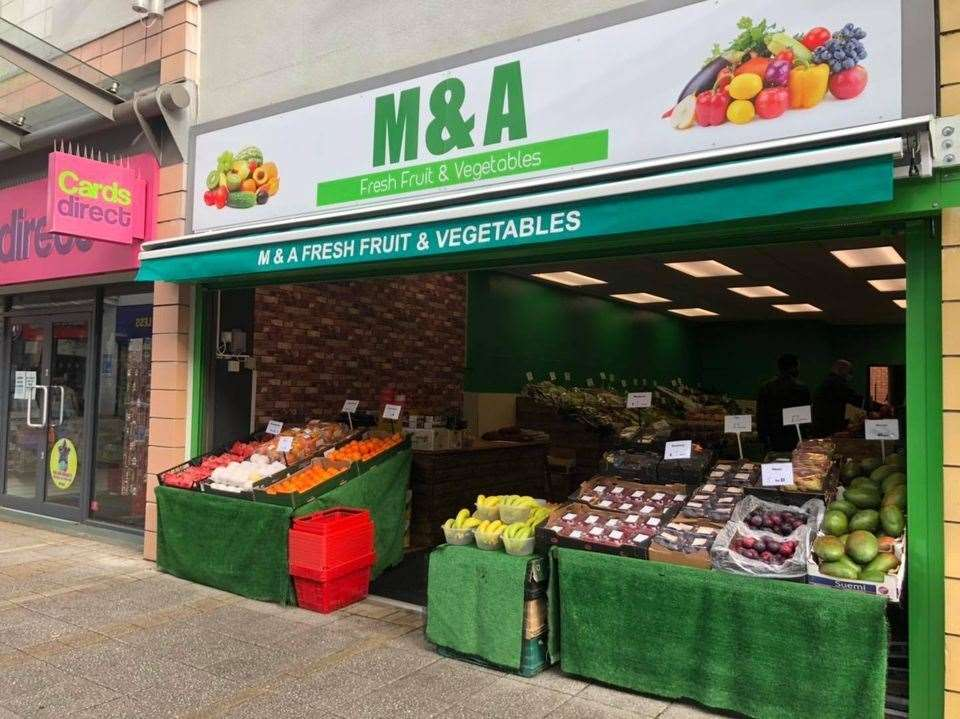M&A fruit and veg shop in King's Lynn (43930192)
