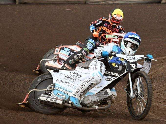 Action from tonight's meeting between the Lynn Stars and Wolverhampton at the Adrian Flux Arena (3750503)