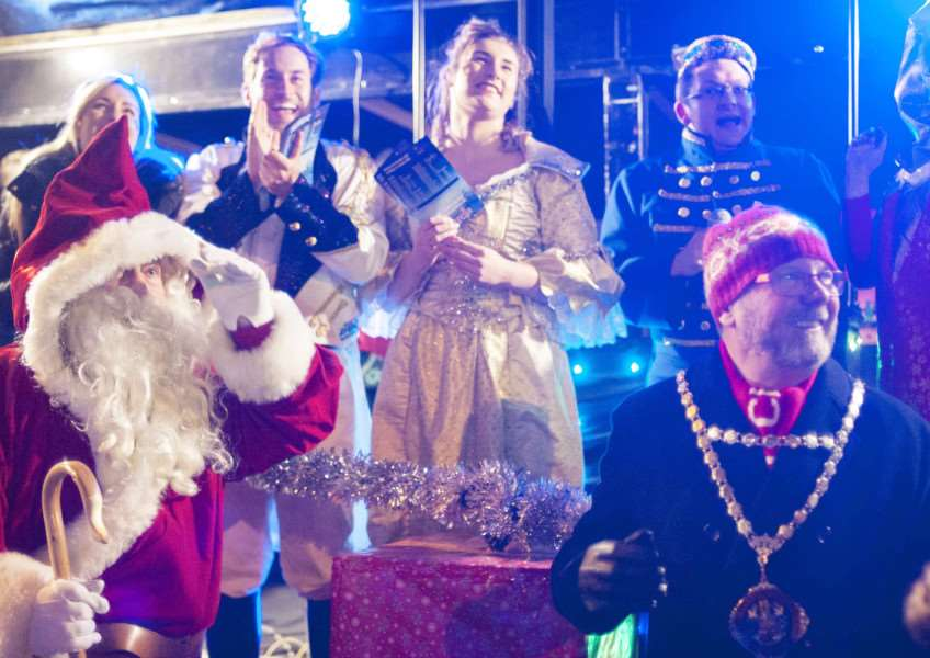 Christmas Lights Switch On at Hunstanton. Pictured Characters from The Princess Theartre Panto Cinderella with front right Hunstanton Mayor Adrian Winnington Light's On