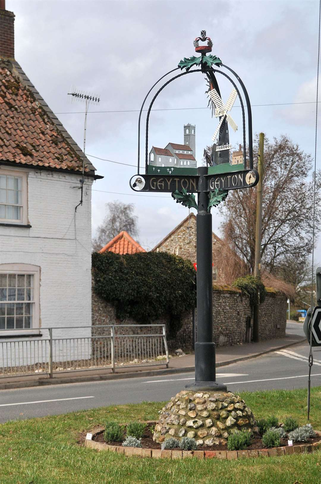Gayton - Village Sign. (27189586)