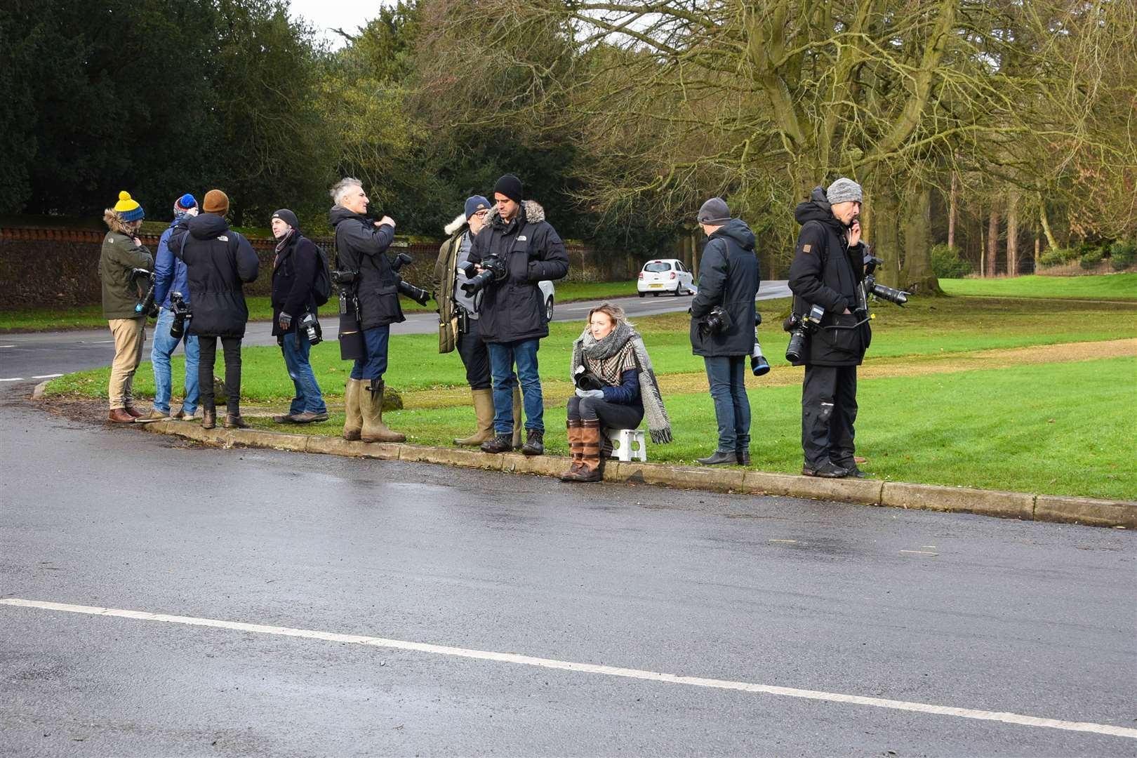 Photographers waiting on the corner of Kings Avenue at Sandringham.. (26640522)