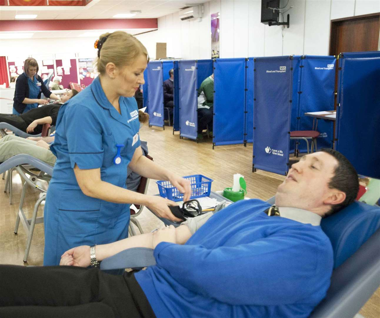 Lynn News News Editor Alister Webb preparing to become a New Blood Donor at The Blood Donor session King's Centre King's Lynn Pictured Allister with Nurse Suzie Currie completing his blood donation session.. (7421594)