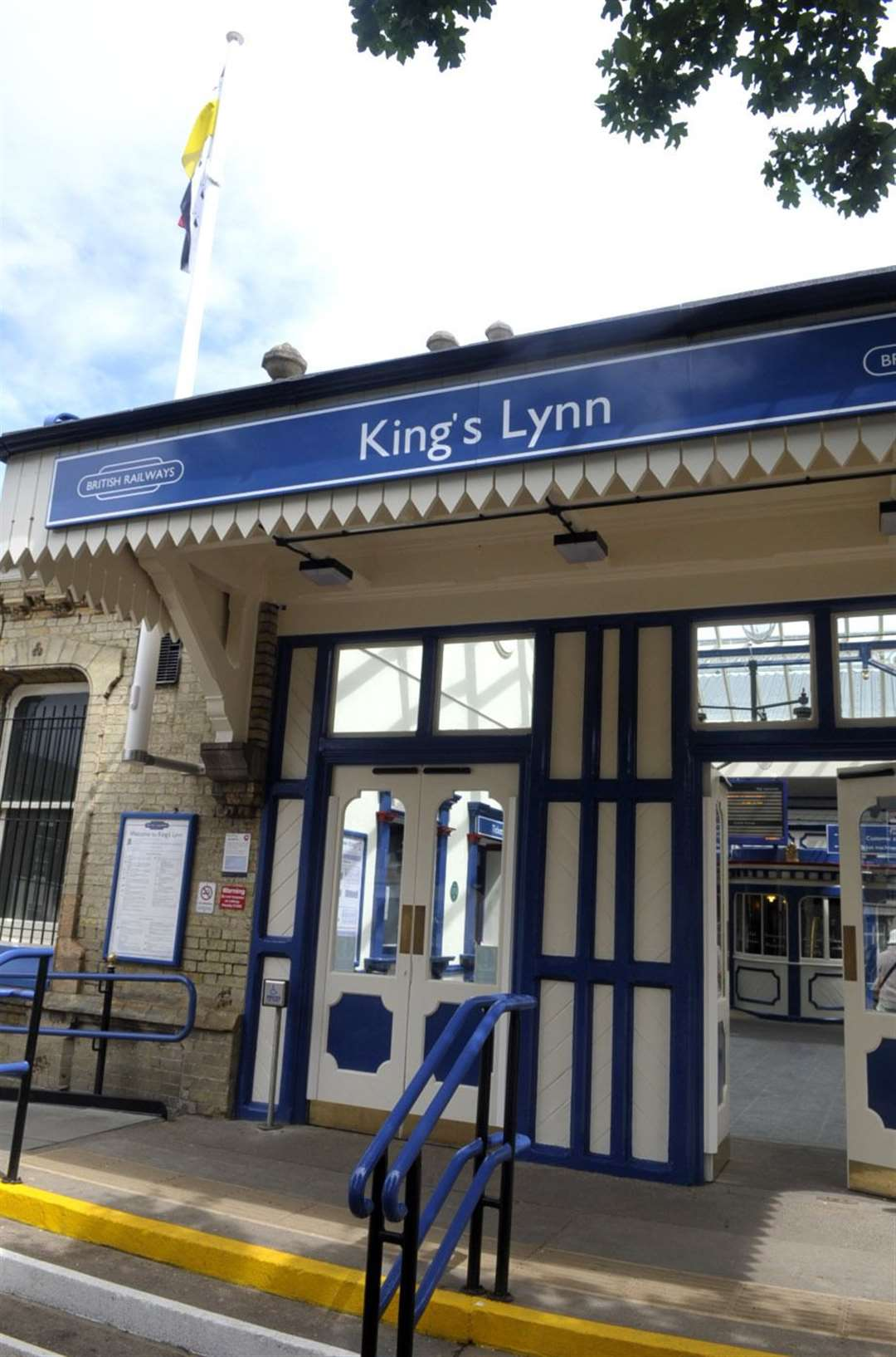 "MPs in West Norfolk will be ""pushing flat out"" to get eight-coach trains on the line from Lynn to King's Cross as soon as possible"