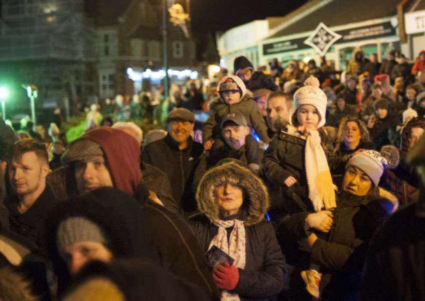 Christmas Lights Switch On at Hunstanton. Pictured crowd awaitng the switch on.