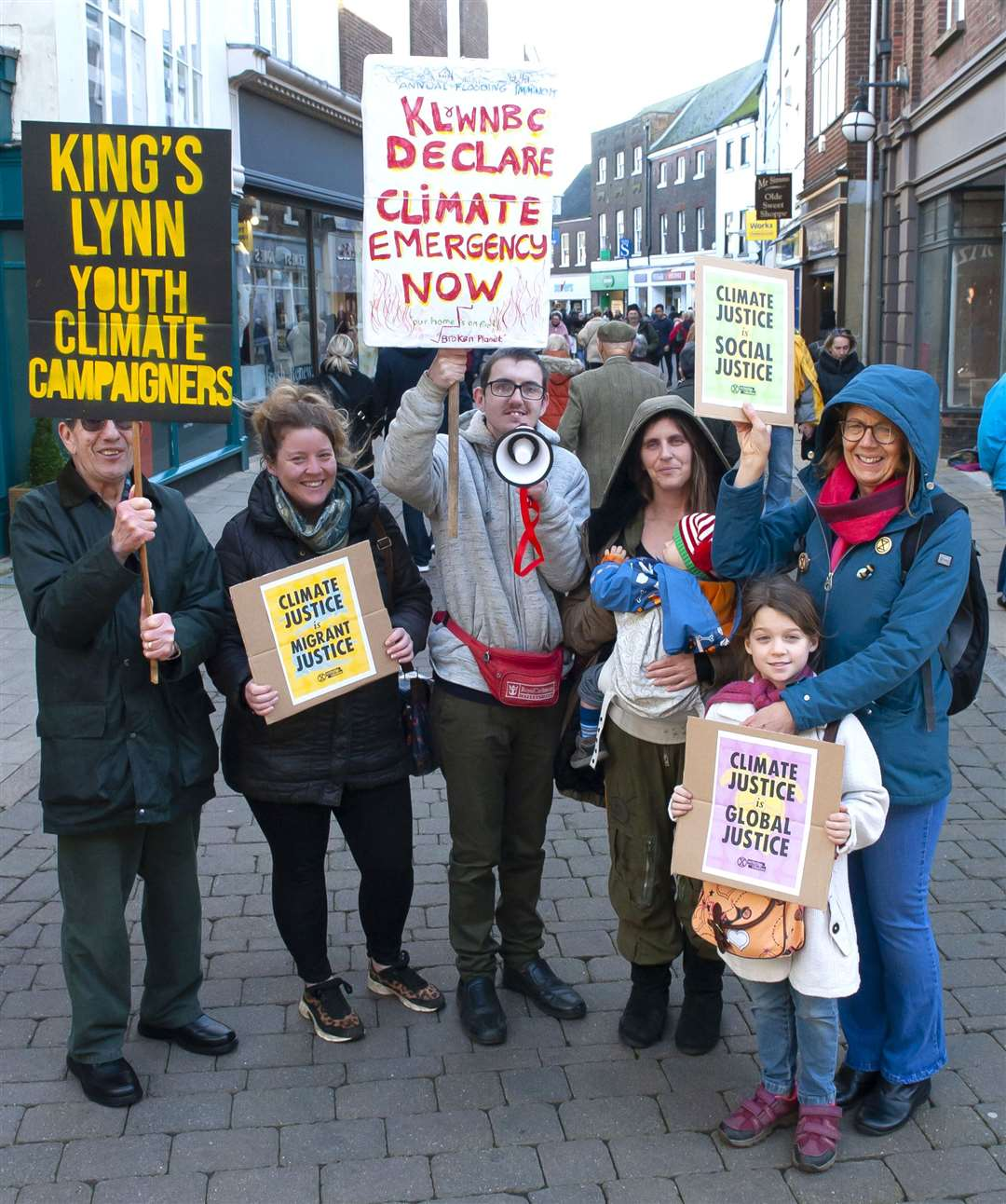 King's Lynn Youth Climate Campaigners Pictured in centre Jordan Stokes (Organiser) with supporters in King's Lynn Town Centre.. (26471177)