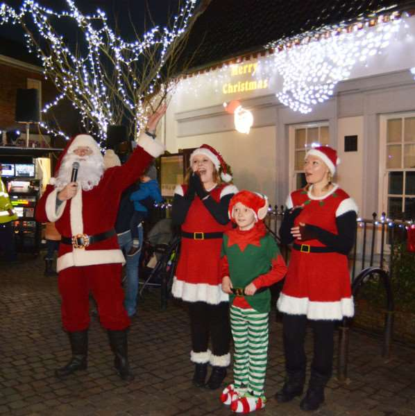 Father Christmas and his elves lead the count down to the lights switch-on in Fakenham. MLNF17PB12308
