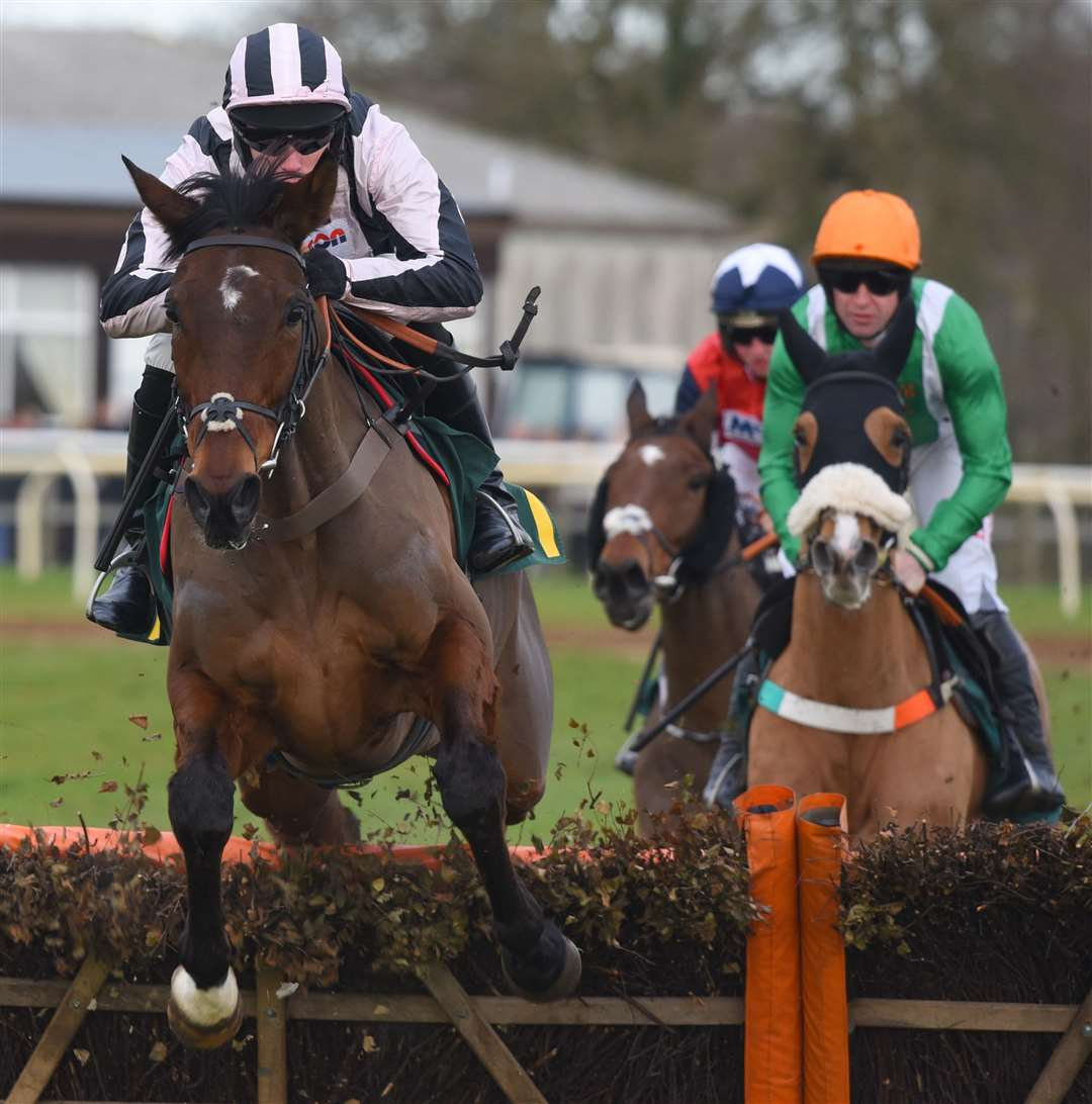 New Years Day Race Meeting at Fakenham Racecourse..First Race action at 12.45pm. (6283813)