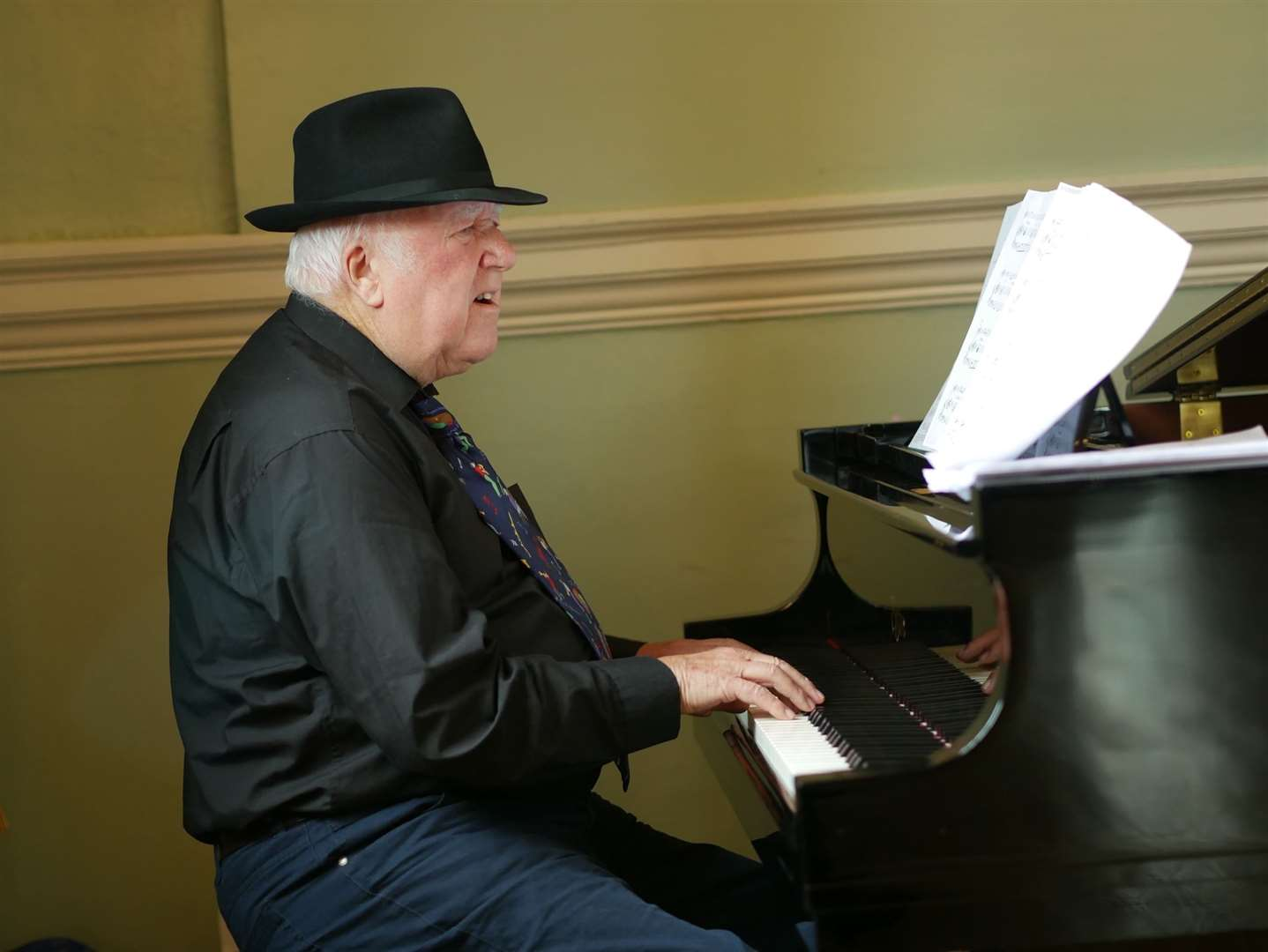 George King at the piano (44563578)