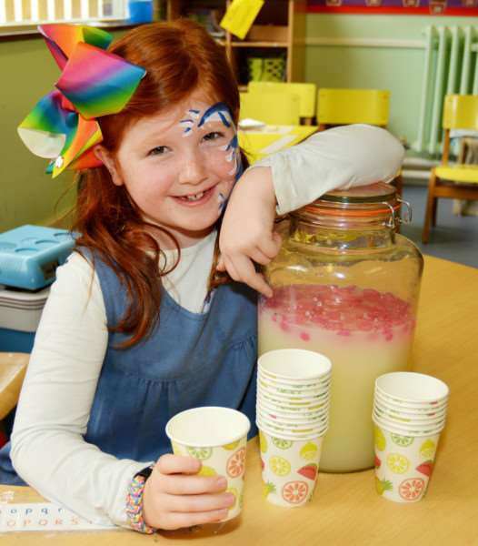 HEACHAM INFANT SCHOOL SUMMER FETE'Olivia Murtagh sold her own home-made lemonade