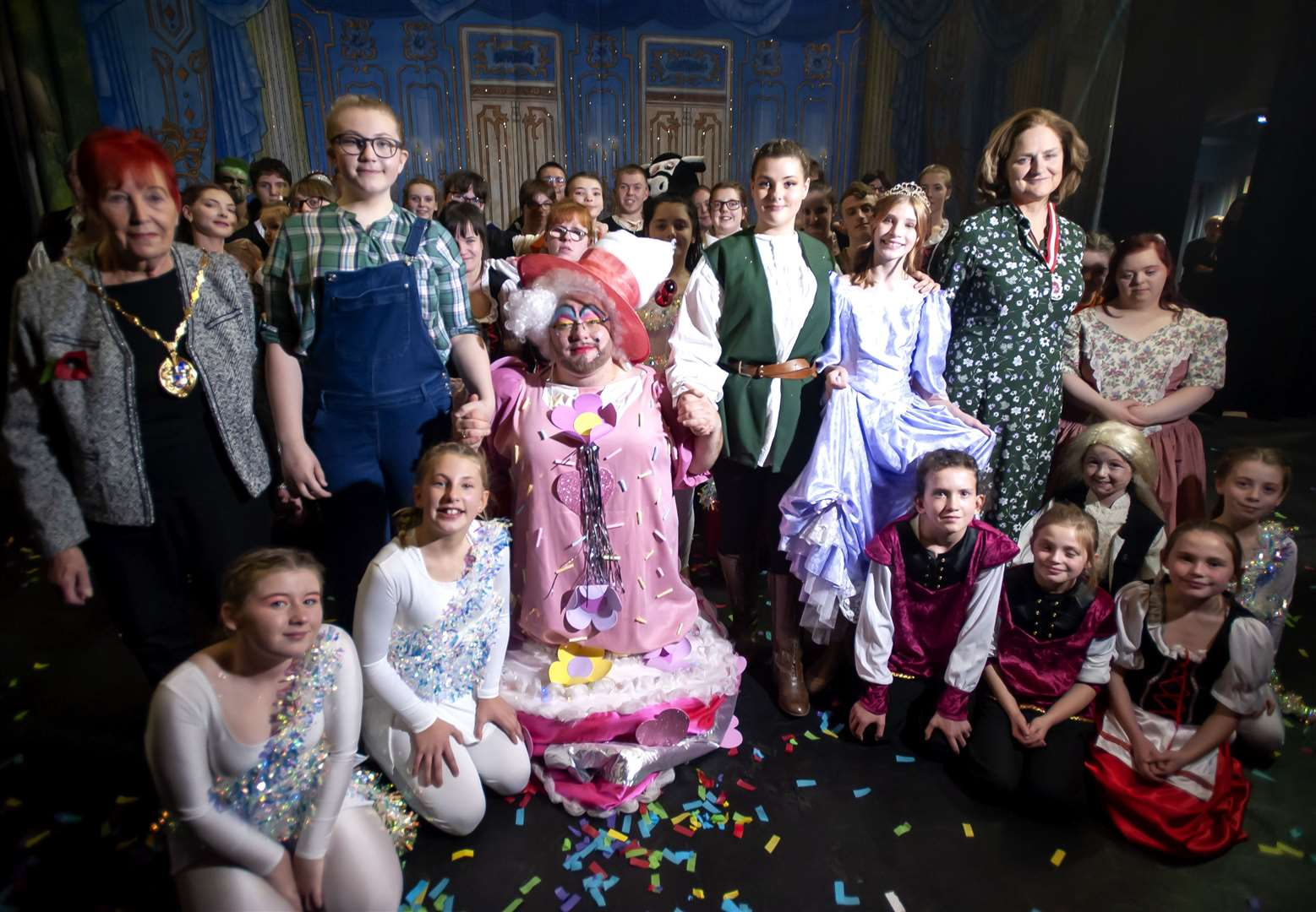 Jack and The Beanstalk Cast The Lavender Hill Mob Theartre Company. Pictured with The cast Claire Agnew (High Sheriff Norfolk. King's Lynn Depty Mayor Margaret Rose Wilkinson. atthe Corn Exchange.. (21543224)