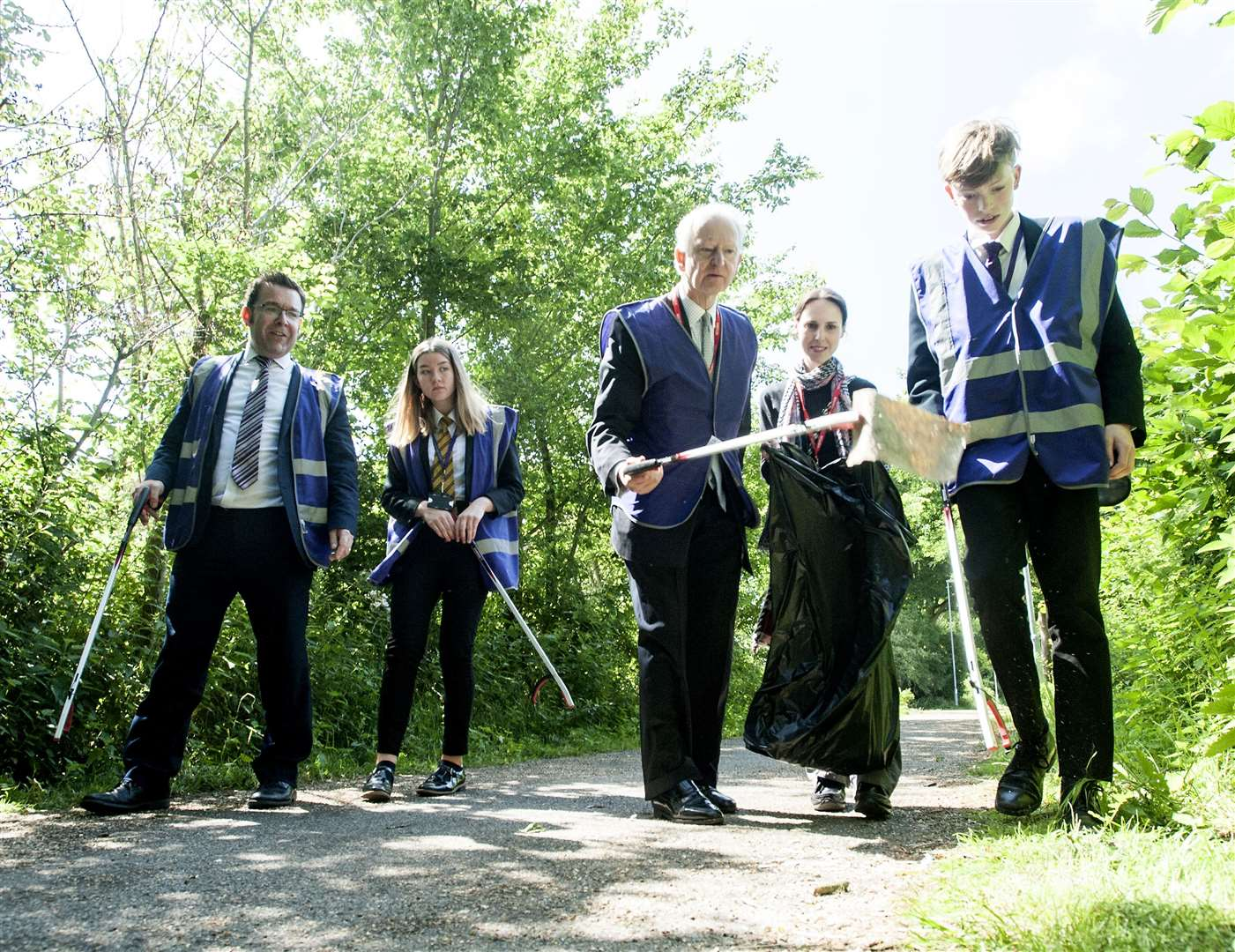 From left are Springwood Headteacher Andy Johnson, Kiera Clarke (Head Girl), MP Sir Henry Bellingham, Adele Powell and Jannis Kaulman (Head Boy)