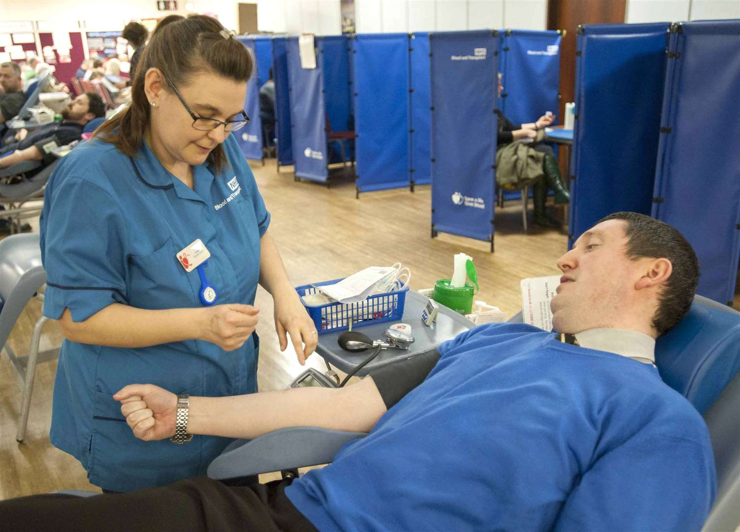 Lynn News News Editor Alister Webb preparing to become a New Blood Donor. Pictured Allister with Nurse Sarah Parfitt.at The Blood Donor session King's Centre King's Lynn. (7421585)