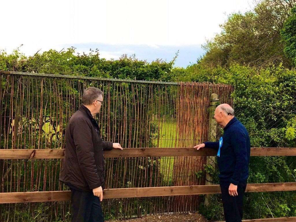 Councillors Ian Sherwood and Paul Darby at the Shepherds Fold access