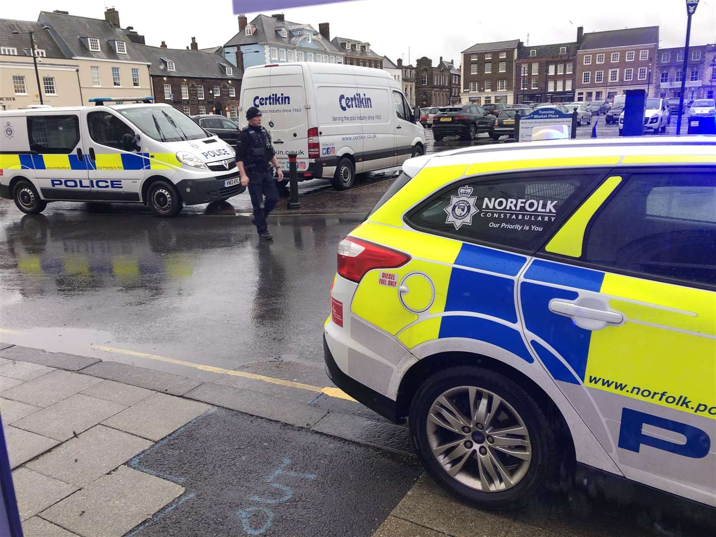 Police responding to an incident on the Tuesday Market Place in King's Lynn. (7732598)