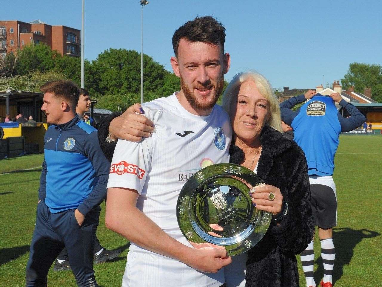 Defender Rory McAuley with his mum. Picture: Tim Smith. (10122981)