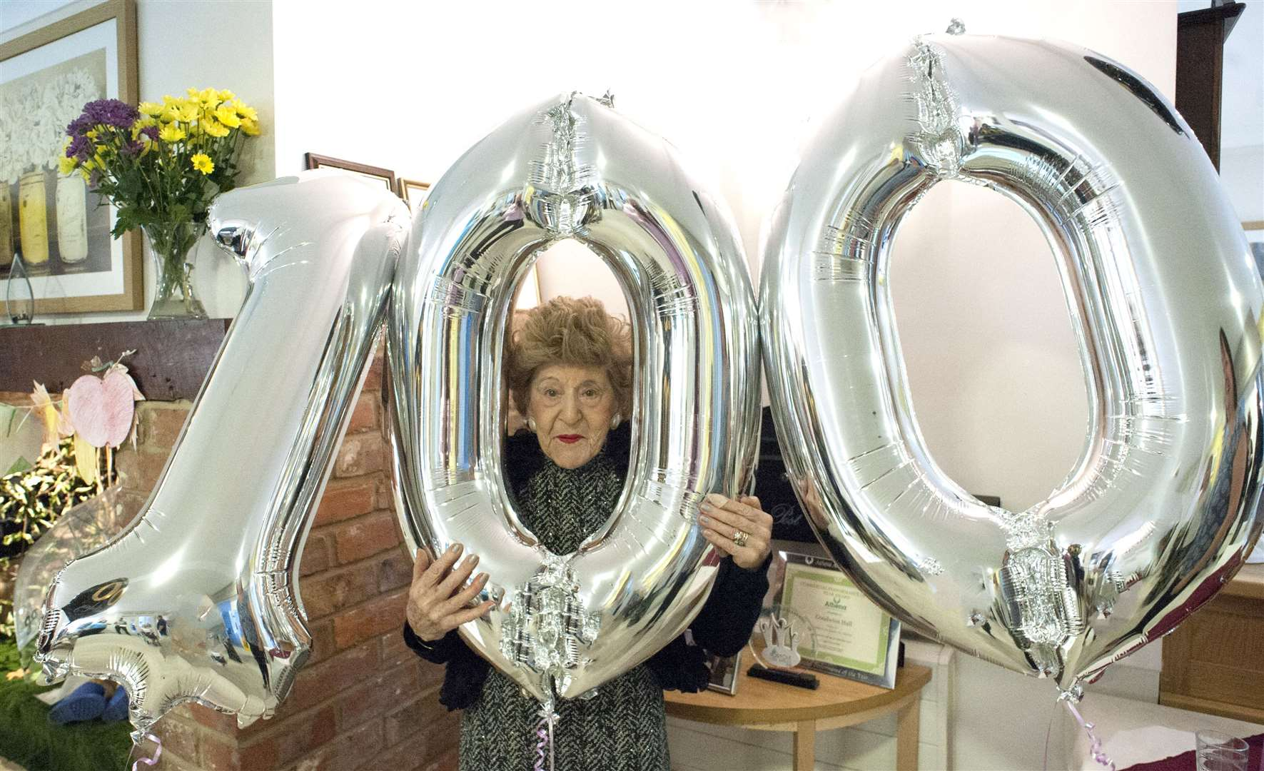100th Birthday for Joan Phillips, who will be walking on a Boeing Stearman Biplane next month