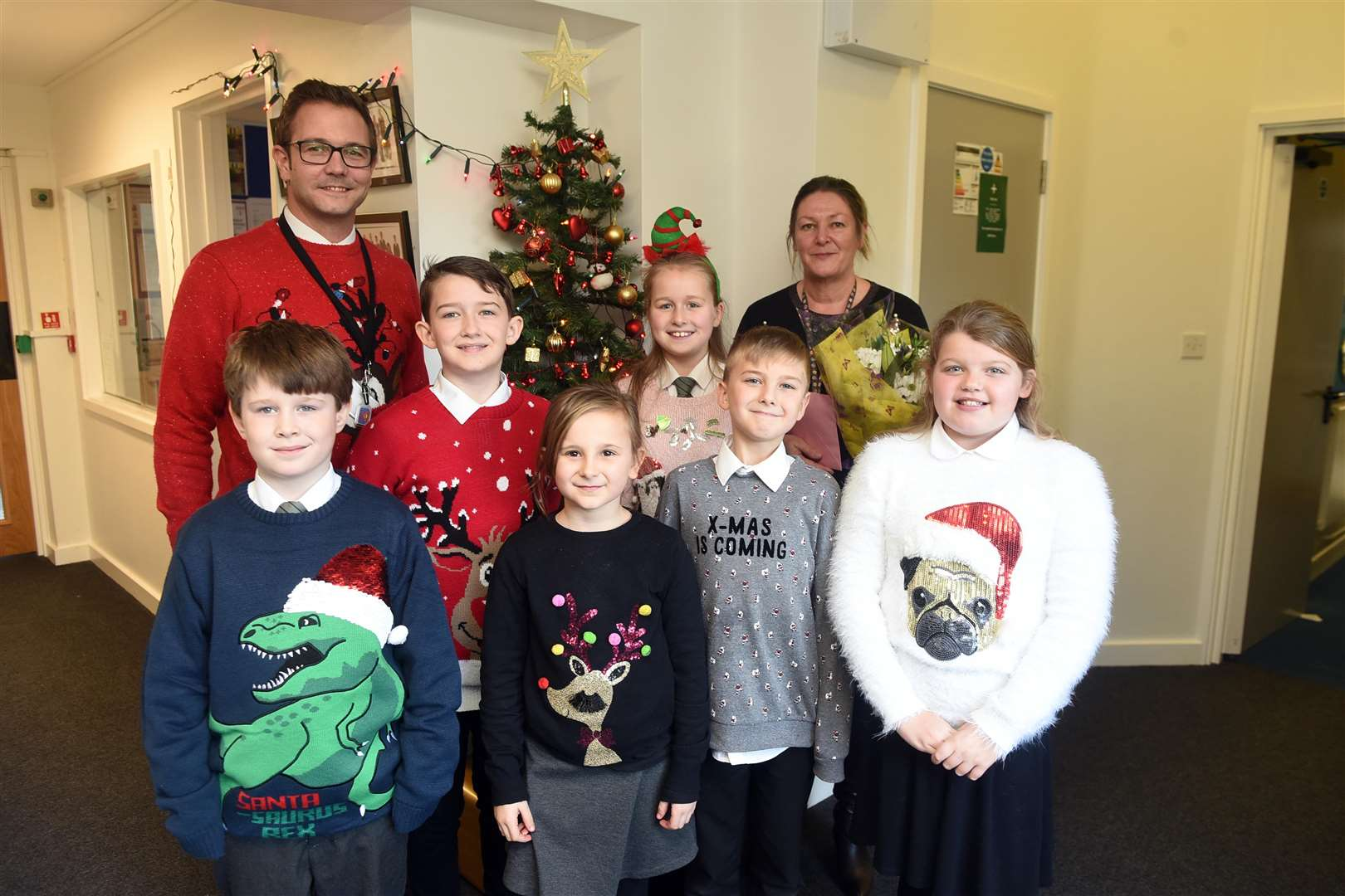 Christmas Jumper Day and presentation to Lisa Good who has been at Southery school for 30 years. (5979417)