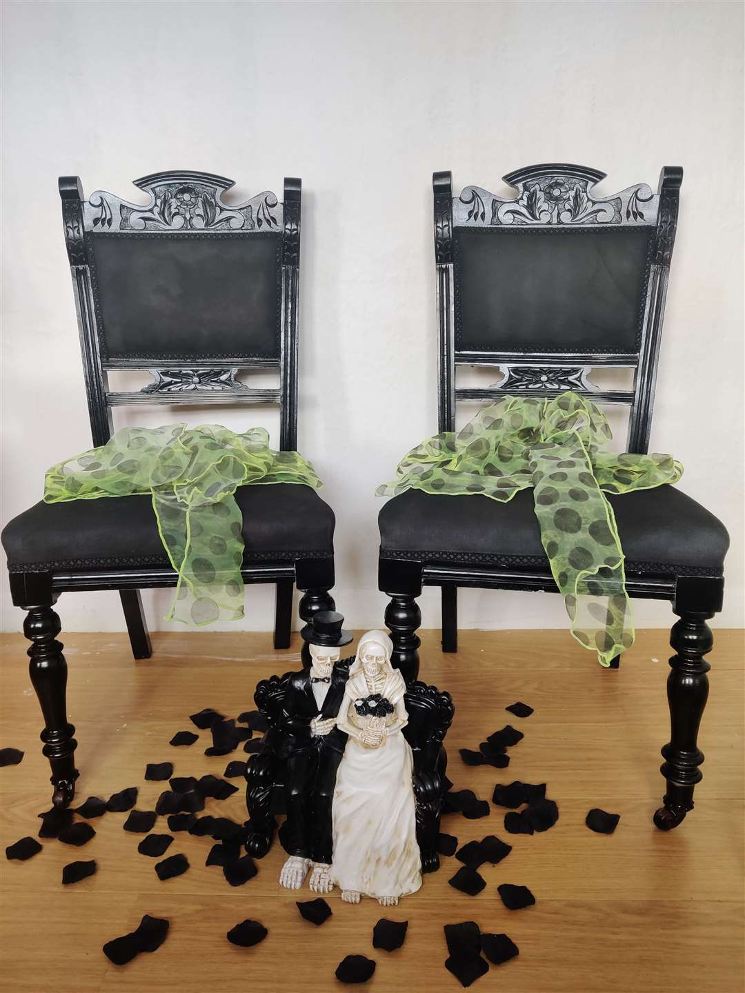 Rent Gothic themed chairs and cake decorations at Dark Broomsticks (50075860)
