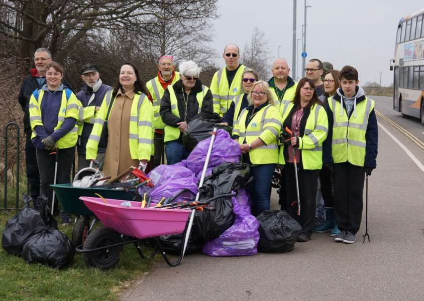 Volunteer litter pickers following the Hardings Pits clean up. Photo: SUBMITTED.
