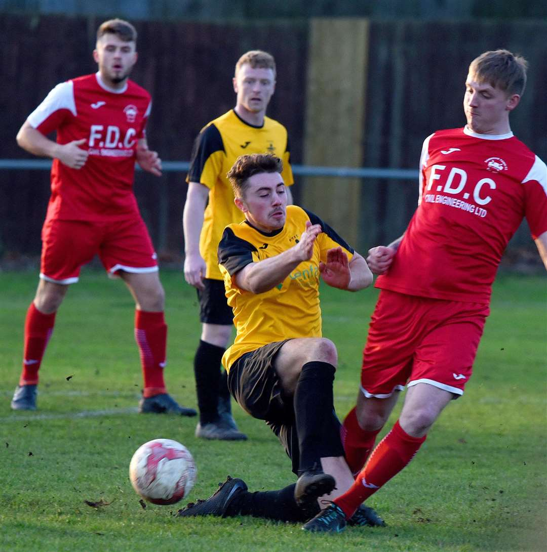 Football Action from the local derby game at Downham Market on Saturday 29th Dec 2018..Downham Town FC v Fakenham Town FC. (6247143)